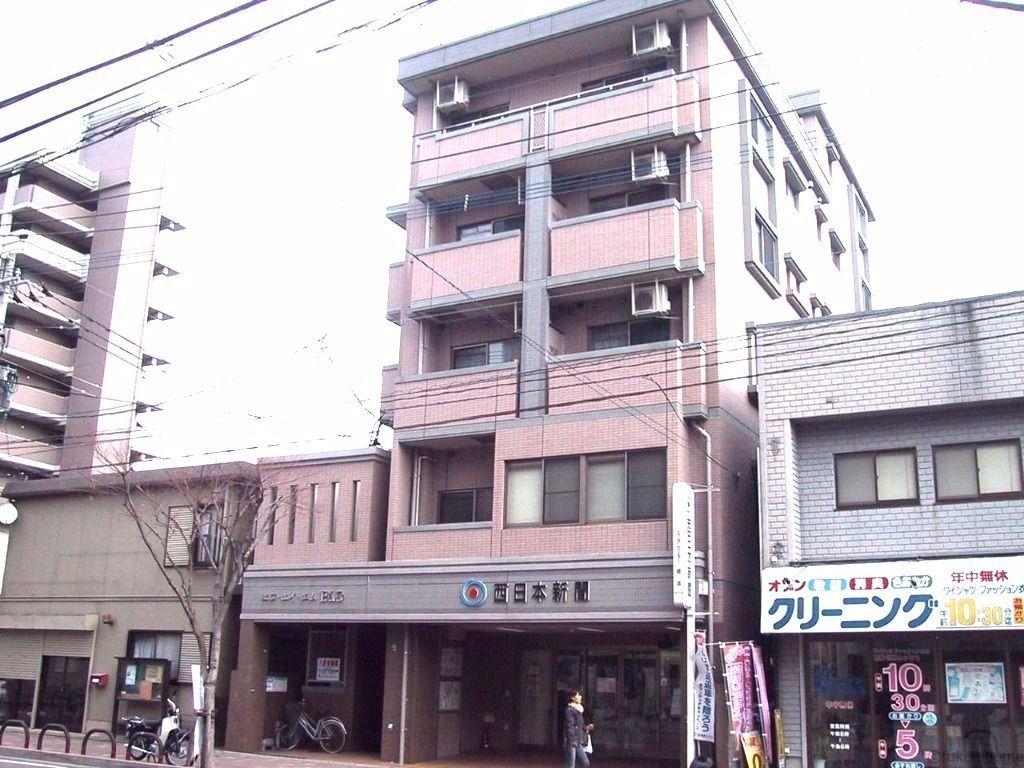 姪浜駅へも歩いて行けます。通勤通学にべんりです