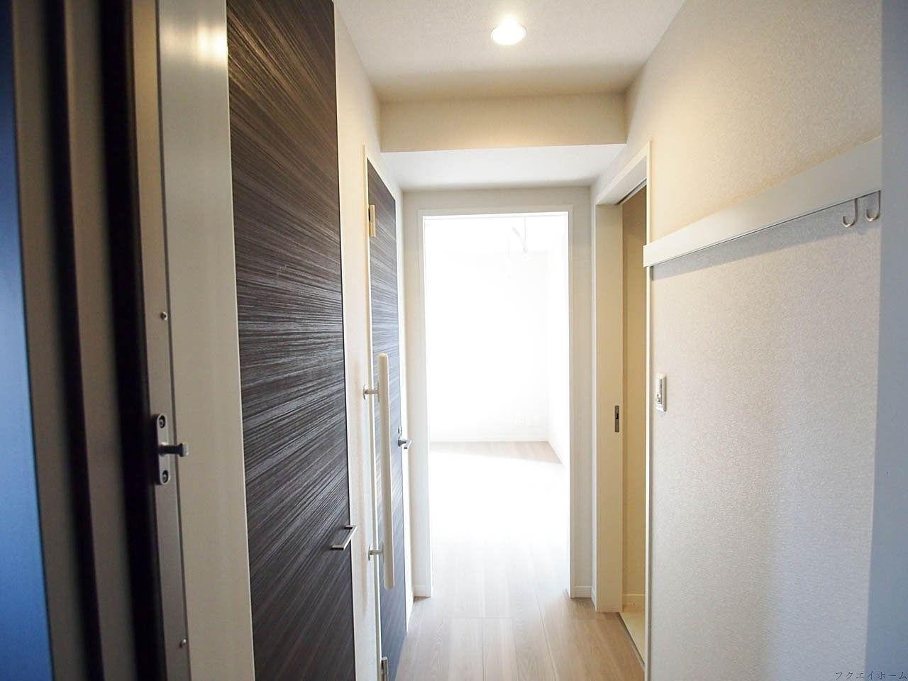 賃貸物件の玄関にコート掛けを設置すると入居者に喜ばれます
