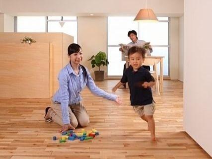 マンションやアパートの騒音は床の衝撃音が原因です