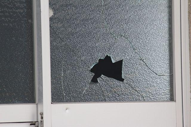 空き巣は無施錠やガラス破りで侵入してきます