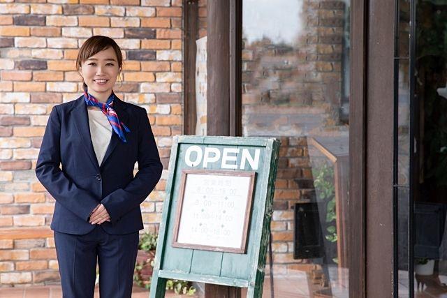 個人で飲食店を開く時、ある程度の資金準備は必要です