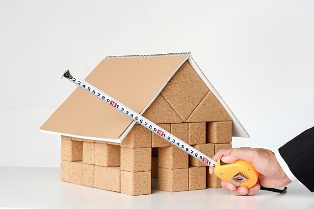 建築条件付きの土地で建築工事を請けるの誰になるのか